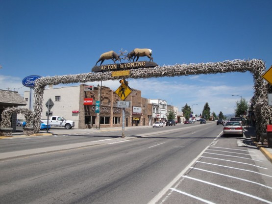 afton-wyoming-elk-bridge