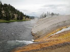 geisers-rio-yellowstone